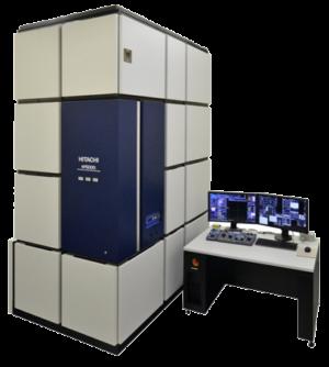 L'esclusivo TEM / STEM a correzione di aberrazione a 200 kV di Hitachi consente di avere l'armonia perfetta tra risoluzione delle immagini e prestazioni analitiche. La spatial resolution di 0.078 nm in modalità STEM è ottenuta grazie ad elevate capacità di inclinazione del campione e ai detector EDX con un di grandi dimensioni, il tutto in un'unica configurazione di lenti obiettivo.L'HF5000 si basa sulle funzionalità dello STEM Hitachi HD-2700, includendo il correttore di aberrazione completamente automatizzato di Hitachi, il symmetrical dual SDD EDX e il Cs-corrected SE imaging. Incorpora anche le tecnologie avanzate TEM / STEM sviluppate nella serie HF. L'integrazione di queste tecnologie in una nuova piattaforma TEM / STEM da 200 kV consente di ottenere uno strumento con una combinazione ottimale di imaging e analisi sub-Å, nonché la flessibilità e le capacità uniche per affrontare le analisi più avanzate.