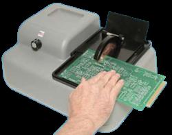 Sega per taglio manuale di precisione per il taglio di circuiti stampati, ceramiche, campioni di metallo e componenti compositi