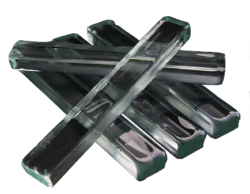 Diversi prodotti per rispondere a tutte le esigenze: PELCO® Quartz Sticky Wax 70C, PELCO® Quickstick 80C, PELCO® Cement Low Heat, PELCO® Quickstick 135, Apiezon® W Wax e PELCO Kleensonic™ WRS Wax Stripper