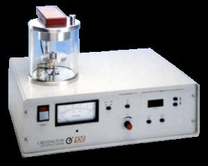"""Sebbene sia il metallizzatore più semplice della gamma Cressington, il 108 ha caratteristiche eccellenti. Il modello Cressington 108 è dotato di controllo di corrente completamente variabile, timer di processo digitale con l'opzione """"pausa"""", supporto dei campioni ad altezza variabile, piastra superiore incernierata e camera sigillata con o-ring.  L'attuale controller consente la scelta indipendente della corrente di metalliazzione e della pressione dell'argon. Il modello 108 può essere accessoriato con il sistema di Thickness Monitor."""