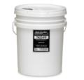 Un fluido idrocarburico leggero utilizzato per pulire e rimuovere i contaminanti tra i cambi d'olio standard